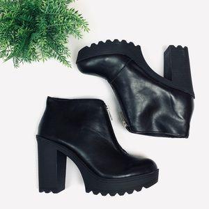 Black Ankle Zip Booties (10) Platform Heel